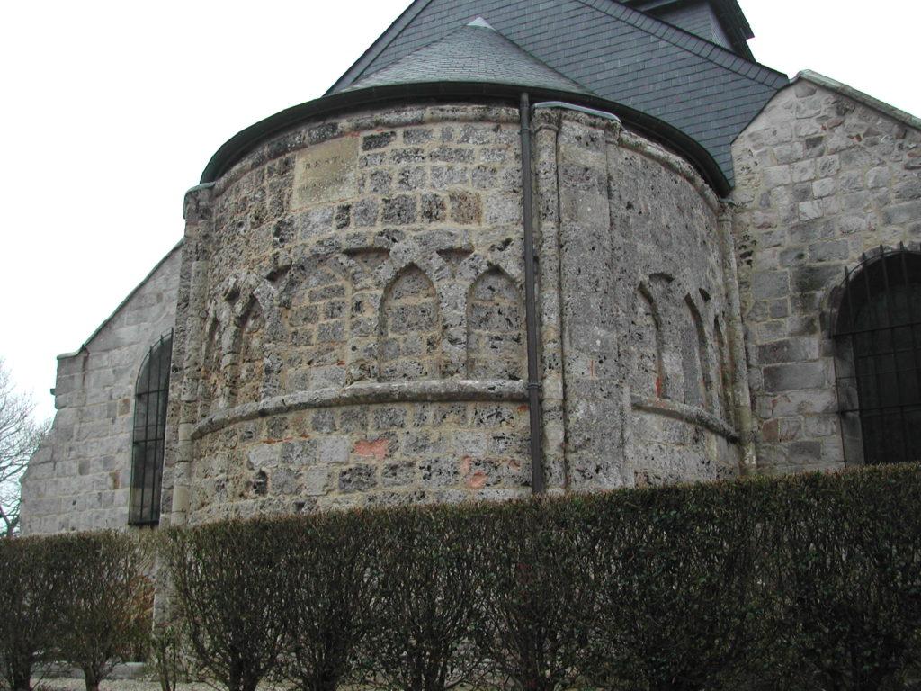 L'abside de l'église de Sainte-Marguerite-sur-Mer avec ses arches entrecroisées